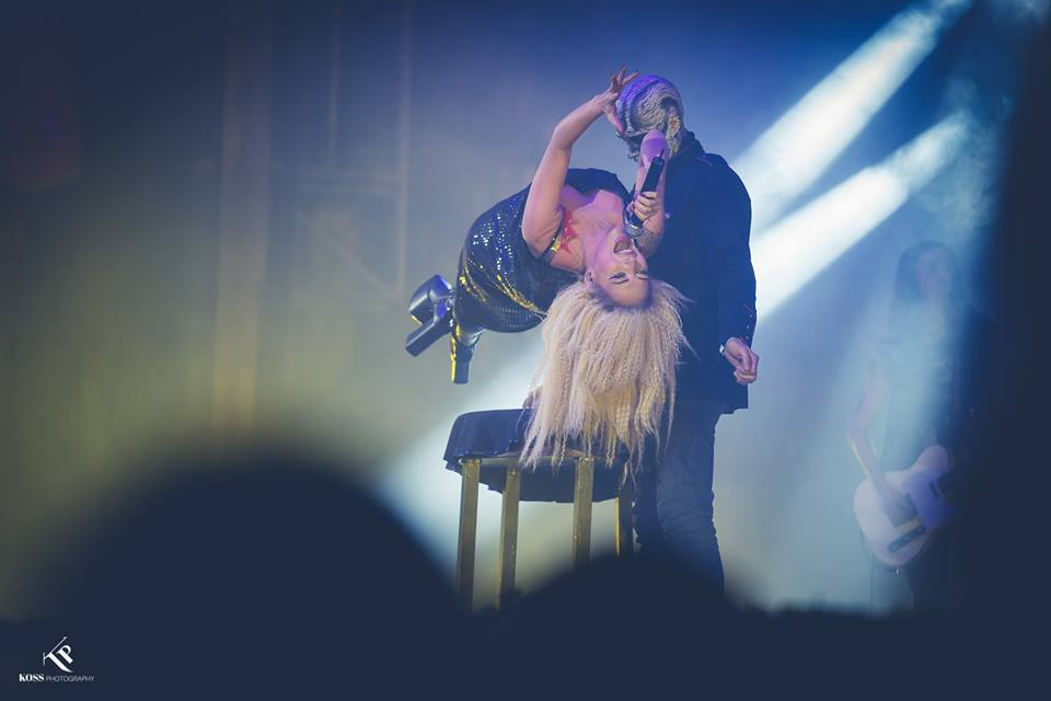 Johannes-psihedelia-magician-levitatie